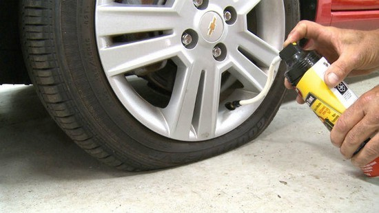 Using sealants to fix car tire